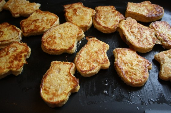 french toast mittens in frying pan