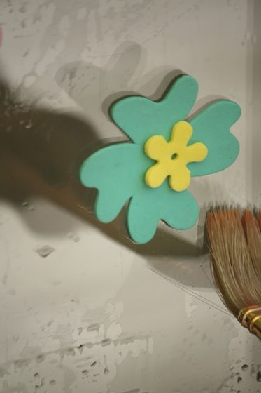 2 foam flowers