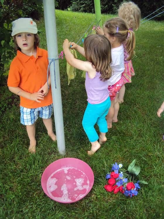 toddlers and preschoolers clothesline activity