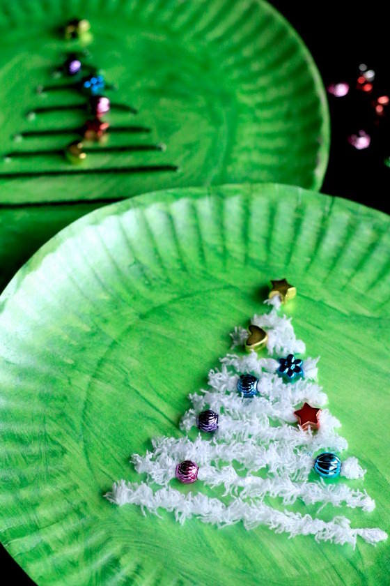 Christmas Tree Lacing Activity - a fine motor craft for kids - Happy Hooligans