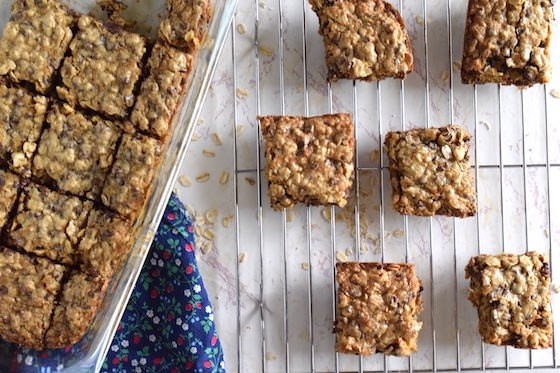 pan and baking rack oatmeal chocolate chip bars