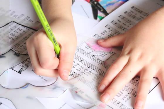 Child tracing star stencil