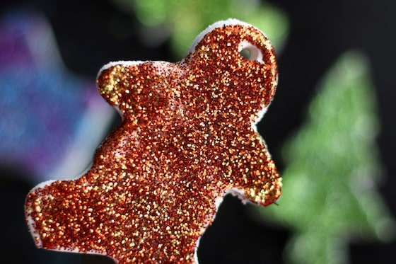 Gingerbread COokie Cutter Ornametnt